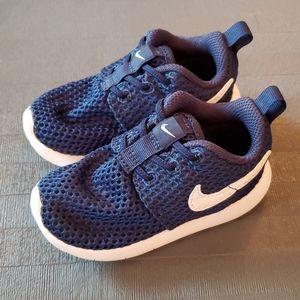 Nike slip on toddler shoes 6